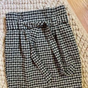 Express high-waisted houndstooth sash skirt
